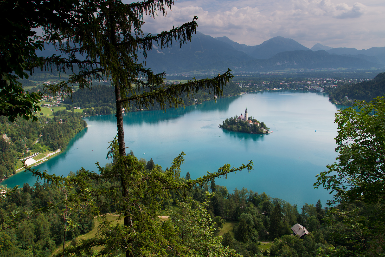 Bled-Lake-by-Slovenian-Tourist-Board.jpg