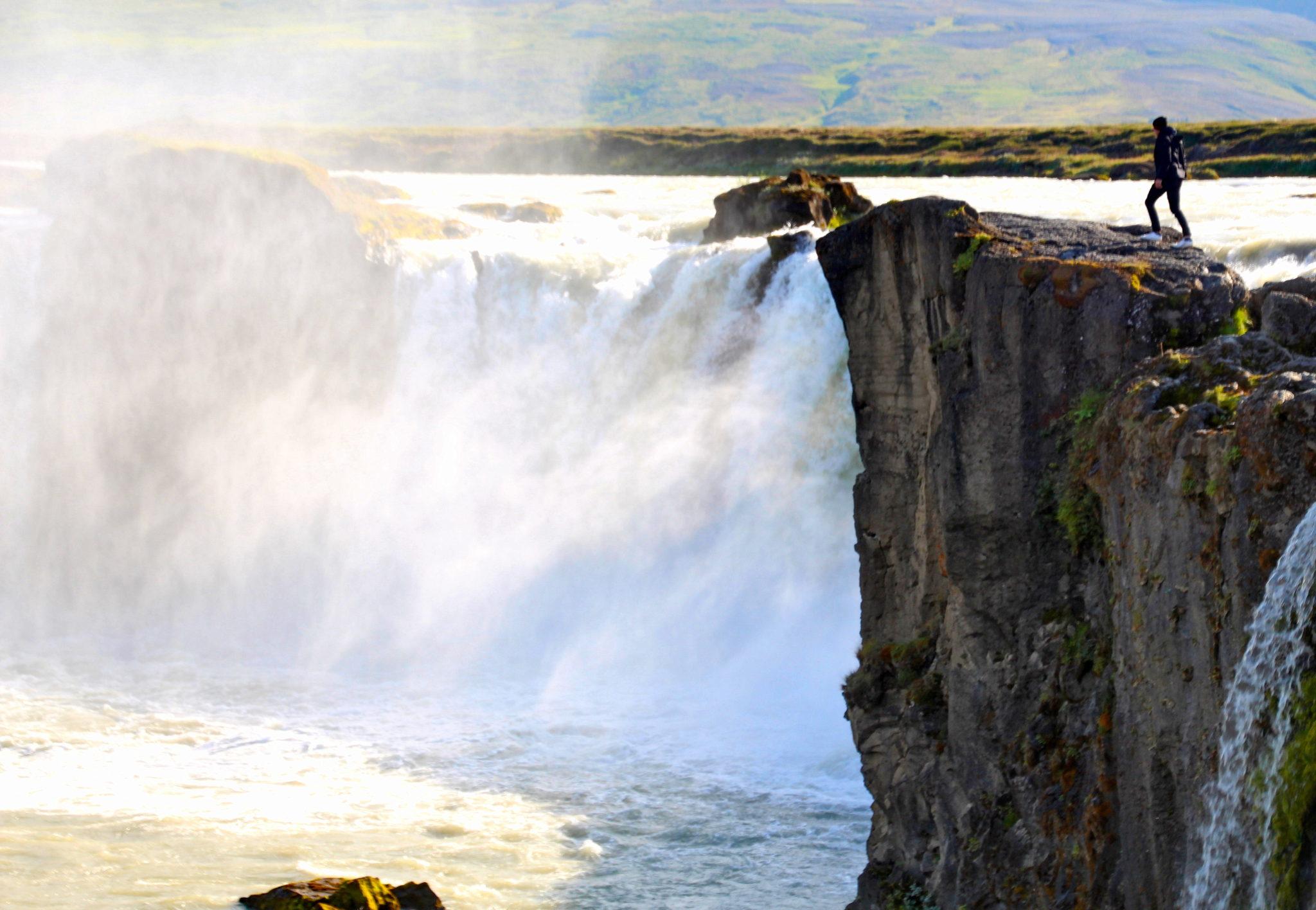 Godafoss er en lett tilgjengelig islandsk foss