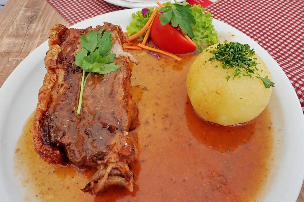 Svineskulder stekt i ovn - Schäuferla